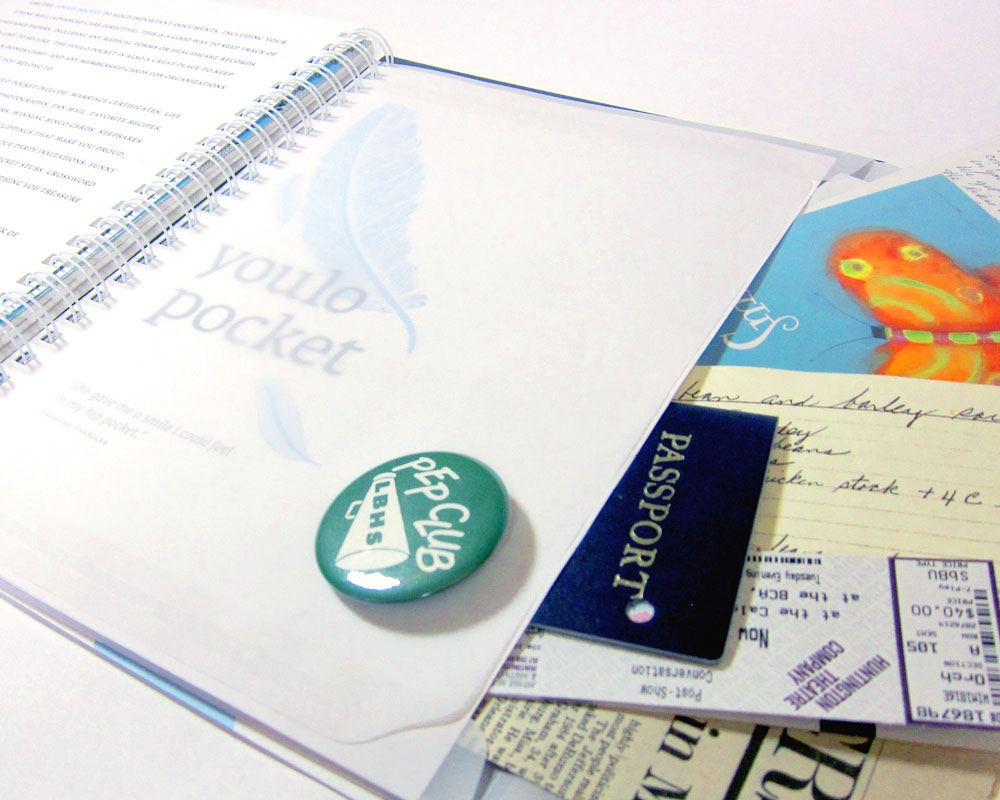 Fill the YOULO POCKET with valuable papers and keepsakes.